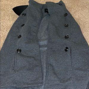 grey button coat